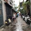 Nhà hẻm ba gác thông 1 lầu đúc BTCT Phú Nhuận.